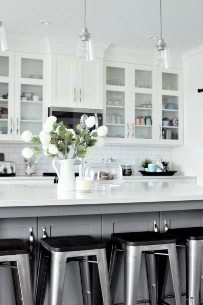 12 SIMPLE WAYS TO FRESHEN UP YOUR KITCHEN (WITHOUT A MAJOR RENOVATION)