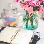 THE SIMPLE WAY TO PLAN YOUR SCHEDULE SO YOU DON'T FEEL SO STRESSED OUT
