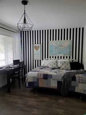 bedroom turned into classroom for homeschool, homeschool